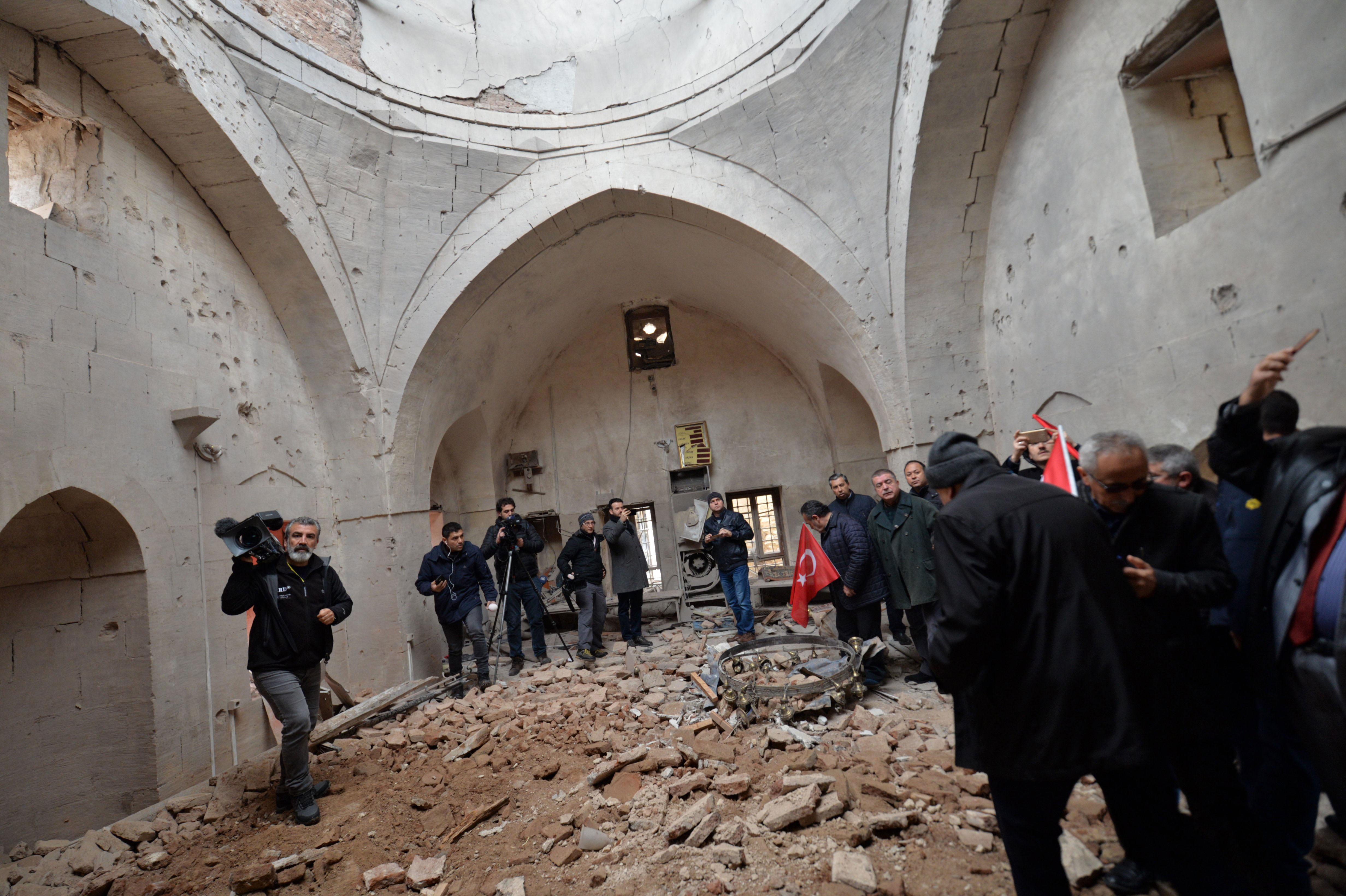 Gaziantepte Kerkük petrol boru hattına yıldırım düştü: Sızıntı nedeniyle 34 ev tahliye edildi 85