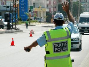Trafik cezalarını artıran kanun teklifi İçişleri Komisyonu'nda kabul edildi