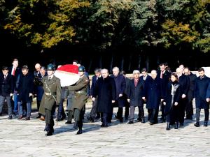 TBMM Başkanı Mustafa Şentop'tan Anıtkabir'e ziyaret