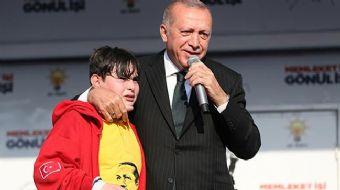 Türkiye Cumhurbaşkanı ve AK Parti Genel Başkanı Recep Tayyip Erdoğan´ın Kocaeli mitinginde sahneye ç