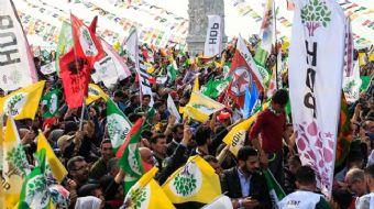 HDP, İzmir´de AK Parti ve MHP´nin karşısındaki adayı destekleyeceğini açıkladı