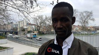 Atatürk Havalimanı'ndan aracına aldığı Senegalli yolcuya küfür ve hakaretler yağdıran taksi sürücüsü