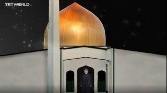 Yeni Zelanda'nın Christchurch kentindeki Mescid-i Nur Camii'nin kapısında gördüğü kişiyi güler yüzüy