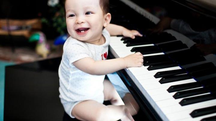 """Müzik bebeği zeki yapar mı"""""""
