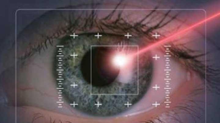 G%C3%B6ze+tutulan+laser+i%C5%9Faretleyiciler+