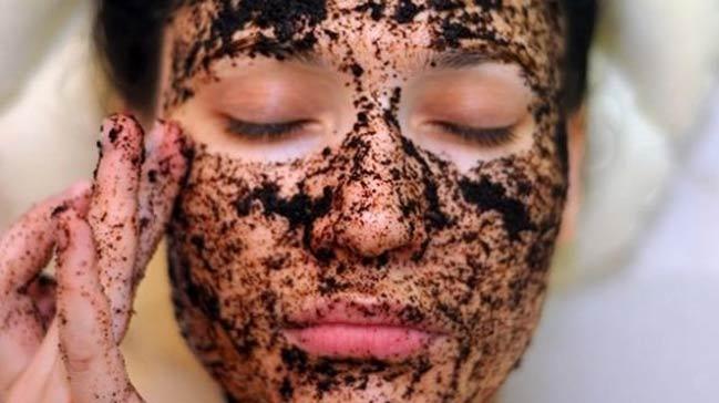 Etkili siyah nokta maskesi zeytinyağı ve kahve