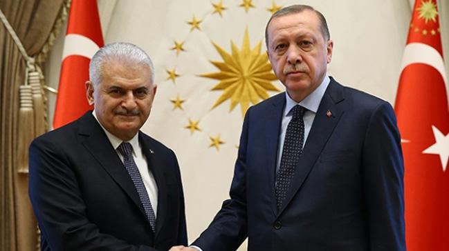 Cumhurbaşkanı Erdoğan ve Başbakan Yıldırım, kurmaylarıyla bir araya geldi
