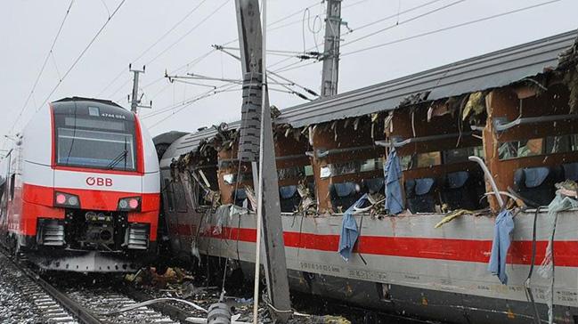 Polonya'da+tren+kazas%C4%B1:+1+%C3%B6l%C3%BC,+22+yaral%C4%B1++