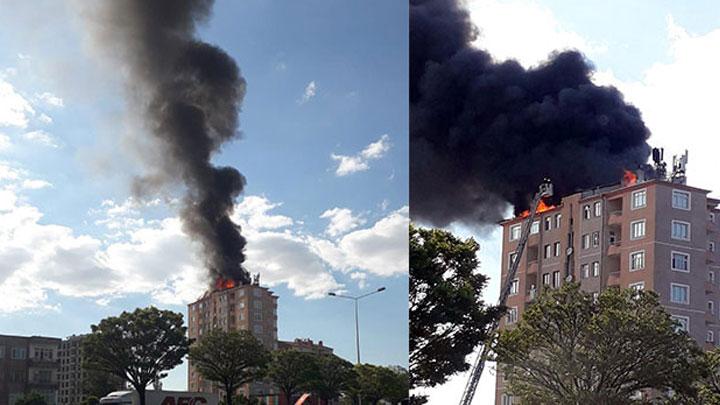 Kayseri'de 10 katlı apartmanın çatısında yangın çıktı