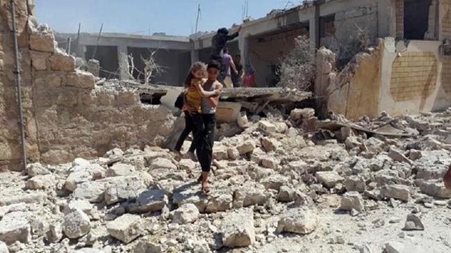 Rus uçaklarının Halep'e gerçekleştirdiği saldırıda 20 sivil hayatını kaybetti