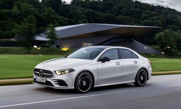 Mercedes'den Paris kararı!