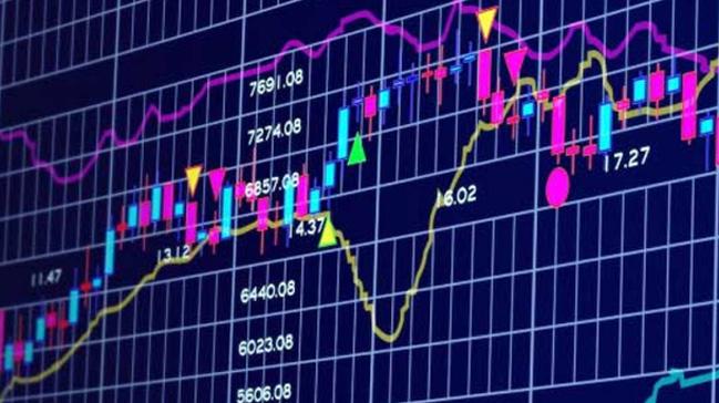 Dow Jones Endeksi rekor tazelerken, S&P 500 ve Nasdaq endeksleri değer kaybetti