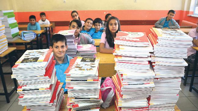 MEB: Yaklaşık 142 milyon ders kitabının tamamı öğrencilerimize dağıtılmıştır