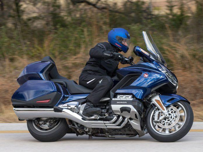 Uzun yol motosikleti Honda GL 1800 Goldwing yenilendi!