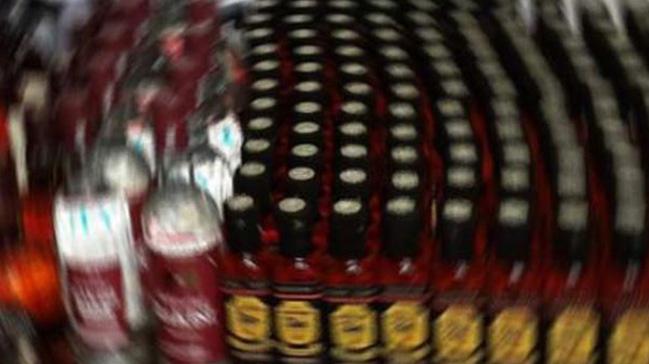 Malezya'da sahte içkiden ölenlerin sayısı 45'e çıktı