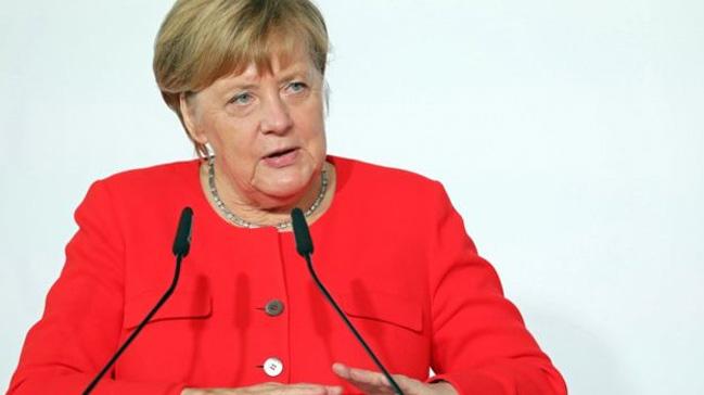 Merkel: İki Almanya'nın birleşmesi daha tamamlanmadı
