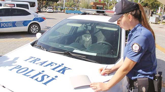 Her polis trafikte ceza yazacak