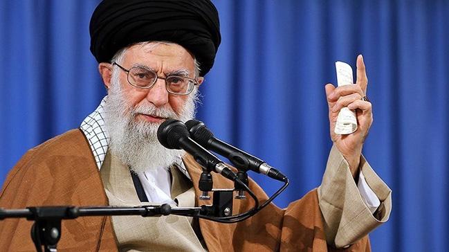 İran ruhani lideri Ayetullah Ali Hamaney: ABD'ye şamar atacağız