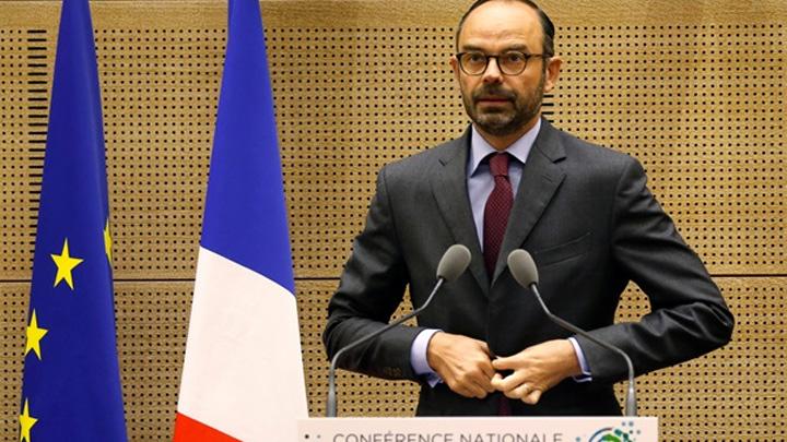 Fransa+Ba%C5%9Fbakan%C4%B1+Philippe:+Akaryak%C4%B1t+zamlar%C4%B1+iptal+edildi