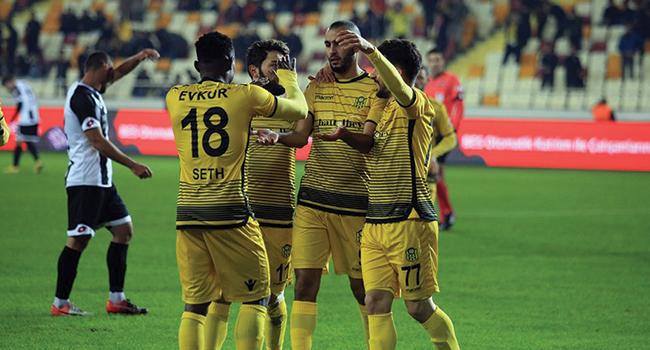 Evkur+Yeni+Malatyaspor+kupada+rahat+kazand%C4%B1