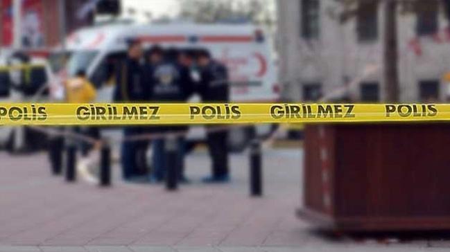 Güngören'de silahlı iki gaspçı para dolu çantayı alıp kayıplara karıştı
