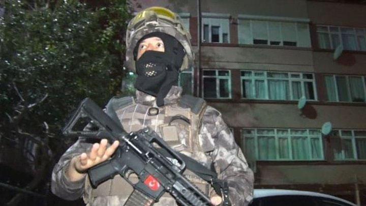 İstanbul'da narkotik operasyonu: 1'i eski polis, çok sayıda gözaltı