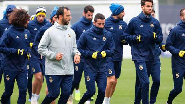 Fenerbahçe'nin devre arası kampı AZ Alkmaar maçıyla tamamlanıyor
