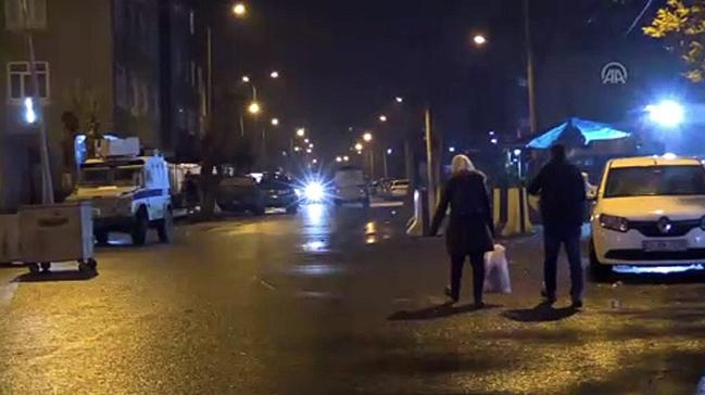 Diyarbakır'da ilçe emniyet müdürlüğüne el yapımı patlayıcıyla saldırı