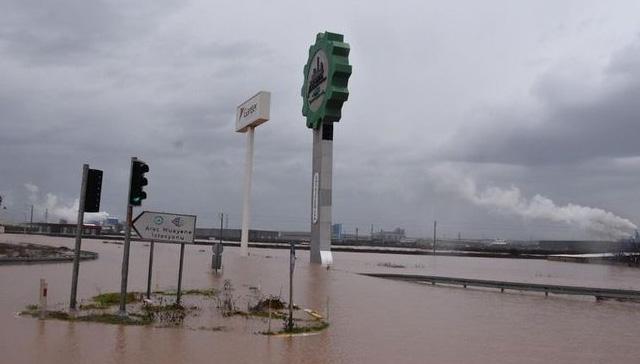 İzmir-Eskişehir tren seferlerine yağış engeli