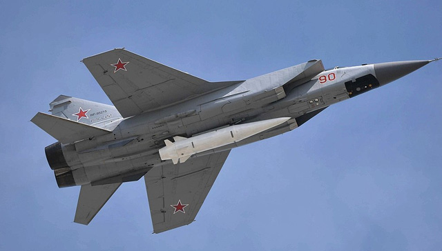 Rusya+kazan%C4%B1n+ard%C4%B1ndan+s%C3%BCpersonik+u%C3%A7u%C5%9Flar%C4%B1+durdurdu