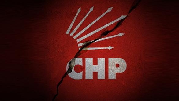 CHP+Sel%C3%A7uk+il%C3%A7e+te%C5%9Fkilat%C4%B1+istifa+etti