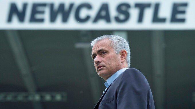 Manchester+United+Jose+Mourinho%E2%80%99ya+25+milyon+dolar+%C3%B6deyecek