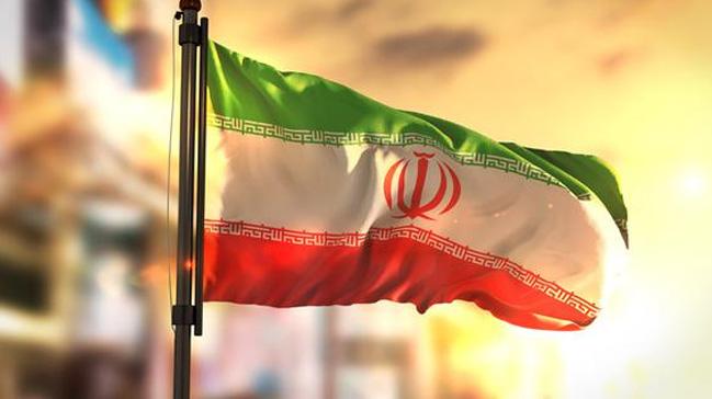 İran hükümeti, Rusya'dan 5 milyar dolar kredi alma izni verdi