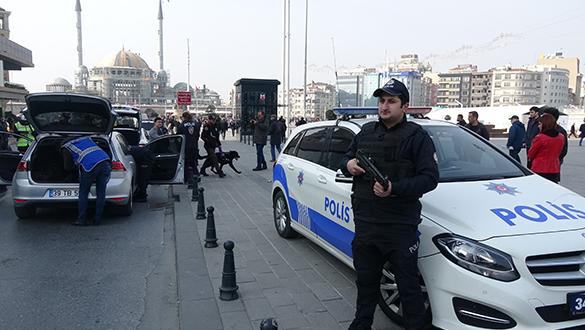 İstanbul'un birçok noktasında 'Kurt Kapanı' uygulaması yapıldı