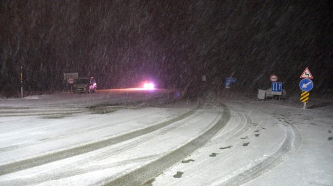 Kırklareli'nde kar yağmaya başladı
