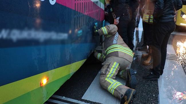 Kadıköy'de garip olay: 'Bebeğim orada' dedi otobüsün altına girdi