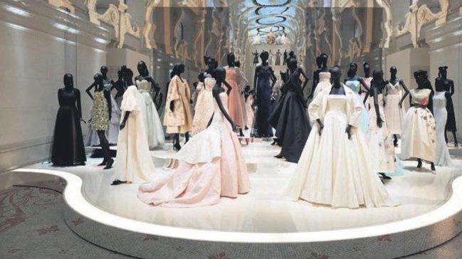 Rekor kıran moda sergileri