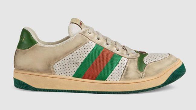 Kirli ayakkabıları 4600 TL'ye satışa çıkardı