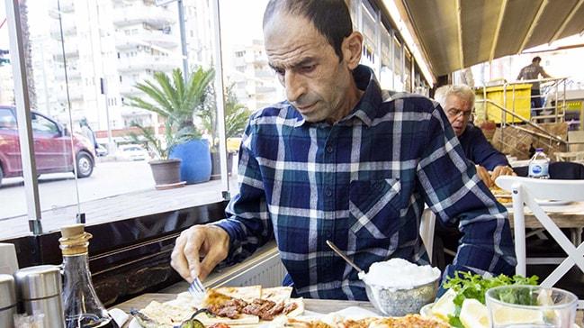 1,5 yıl aç kaldı, 2 günlük tedaviyle 2 kişilik Adana kebabı yedi