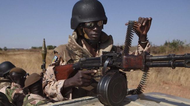 Mali'de askeri üsse düzenlenen saldırıda 16 asker hayatını kaybetti
