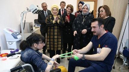 Emine Erdoğan: Hedefimiz engellilerin ihtiyaçlarının karşılamasını sağlamak