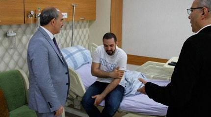 Hastanın babası tarafından dövülen doktorun omzunda kırık