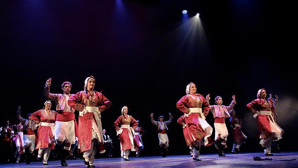 Hollanda'da Türk Halk Oyunları Yarışması düzenlendi