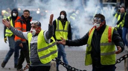 Fransa İçişleri Bakanı: Sarı yelekliler eylemlerinde 233 kişi gözaltına alındı